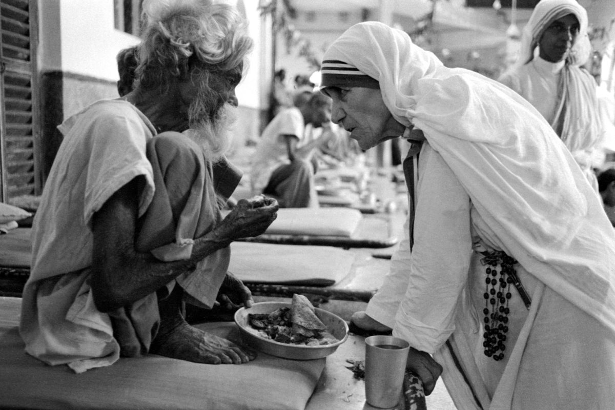a biography of the life and charity work of mother teresa Mother teresa : biography  never seeing her mother again in this life,  mother teresa continued her work among the poorest of the poor,.